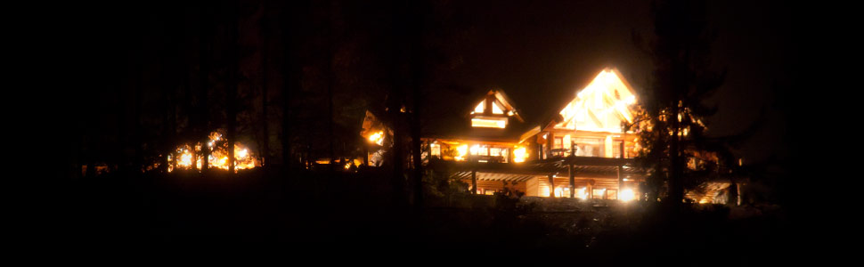 Mt Shasta Log Cabin Retreat at night